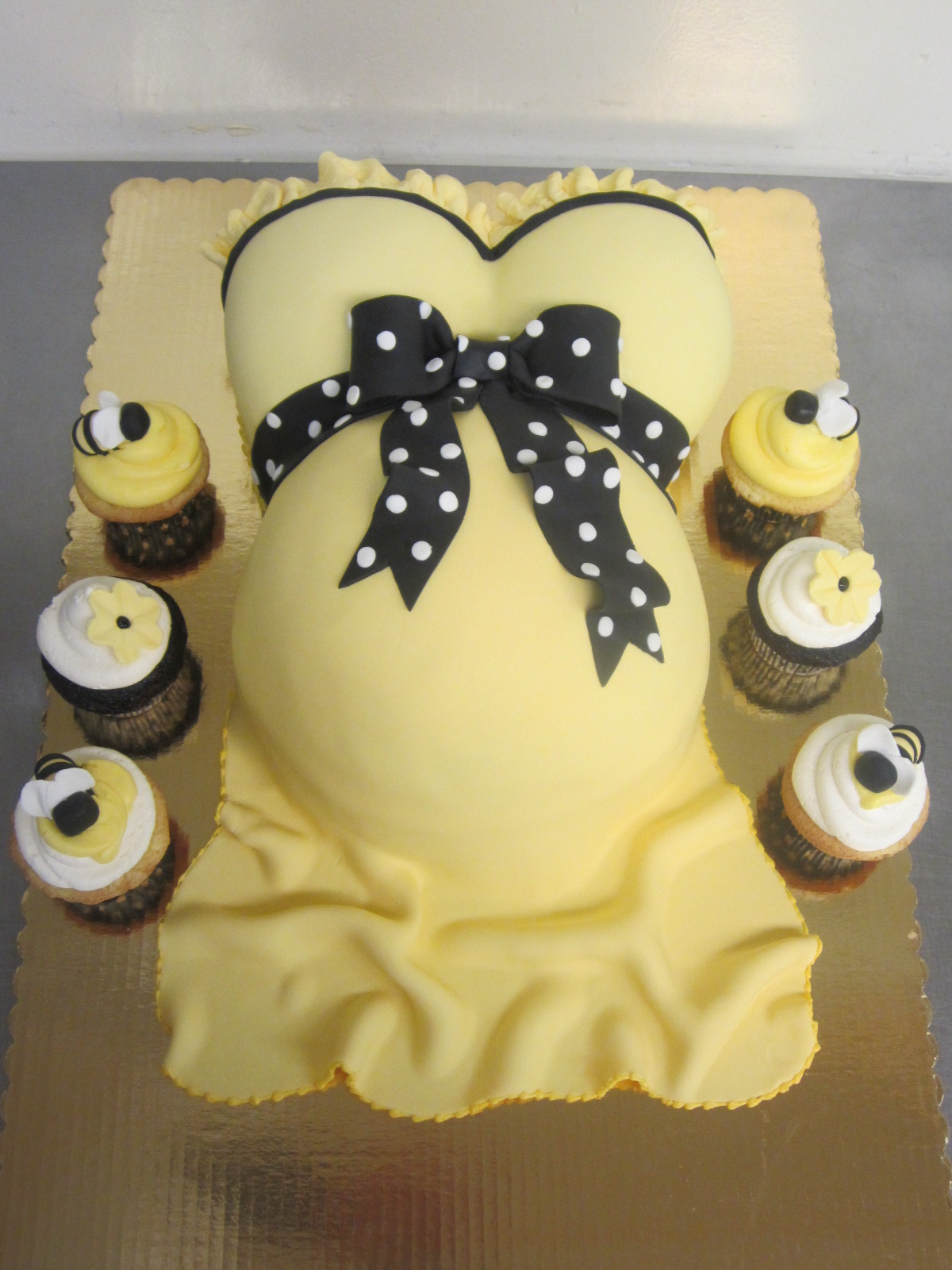 Pink U0026 Brown Baby Shower Cake · Yellow Pregnant Belly