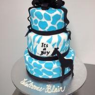 blue-giraffe-babyshower-cake
