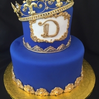 blue-crown-cake