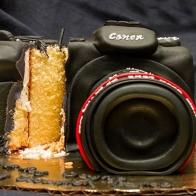 camera-cake-cut